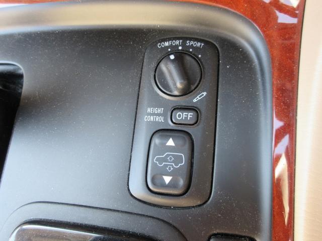 シグナス レザーシート サンルーフ 純正ナビ アクティブハイトコントロールサスペンション シートヒーター デュアルエアコン CDチェンジャー クルーズコントロール 運転席メモリー機能付きパワーシート(18枚目)