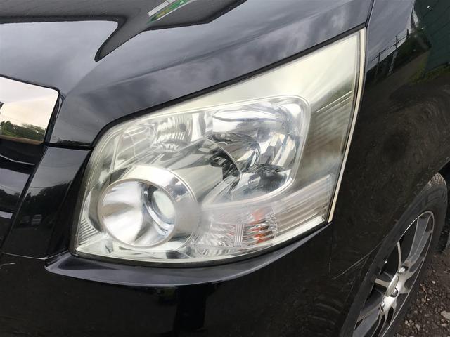 トヨタ ノア Si 4WD フリップダウンモニター パワースライドドア
