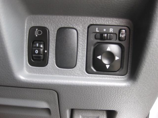 三菱 エアトレック 24V-S 4WD 夏冬タイヤ付 社外ナビ ETC
