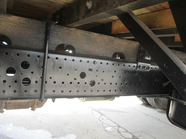 4トン 4段クレーン ラジコン フックイン 2.93トン吊り 4トン ユニック 4段クレーン ラジコン 積載2600k メッキバンパー コーナー ミラーカバー 荷台内寸 長さ5420 幅2160(17枚目)