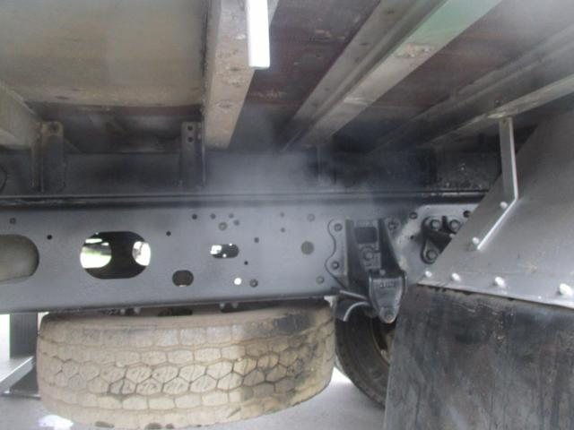 増トン 4段クレーン ラジコン ワイド セルフ アルミボディ 荷台ワイド ロングジャッキ ラジコン セルフ アルミボディ ベッド付き 電動張り出しアウトリガー フックイン 荷台内寸 長さ5420 幅2320(20枚目)