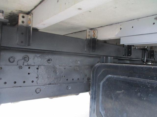 増トン 4段クレーン ラジコン ワイド セルフ アルミボディ 荷台ワイド ロングジャッキ ラジコン セルフ アルミボディ ベッド付き 電動張り出しアウトリガー フックイン 荷台内寸 長さ5420 幅2320(26枚目)
