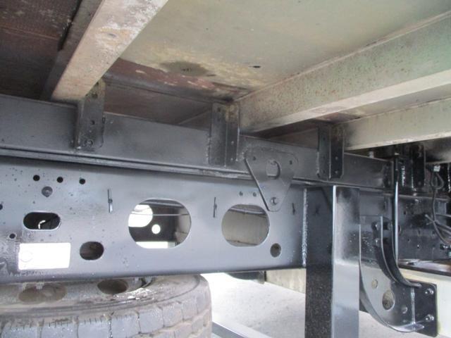 増トン 4段クレーン ラジコン ワイド セルフ アルミボディ 荷台ワイド ロングジャッキ ラジコン セルフ アルミボディ ベッド付き 電動張り出しアウトリガー フックイン 荷台内寸 長さ5420 幅2320(28枚目)