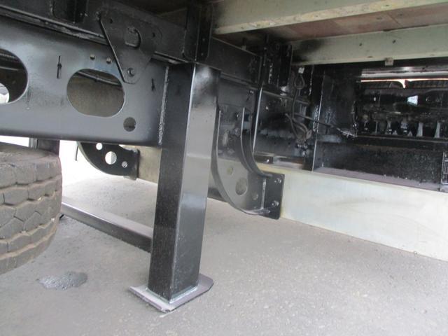 増トン 4段クレーン ラジコン ワイド セルフ アルミボディ 荷台ワイド ロングジャッキ ラジコン セルフ アルミボディ ベッド付き 電動張り出しアウトリガー フックイン 荷台内寸 長さ5420 幅2320(29枚目)