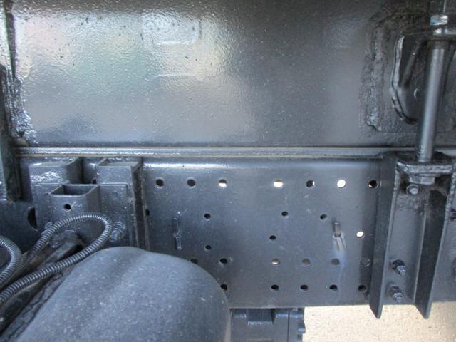 中型増トン 極東プレス式パッカー車 8.7m3 上物点検済み 車輌総重量11トン未満(17枚目)