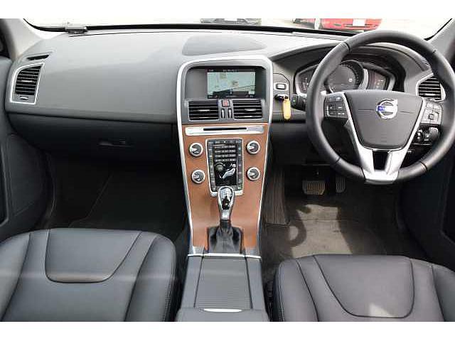 ボルボ ボルボ XC60 T5 AWD クラシック