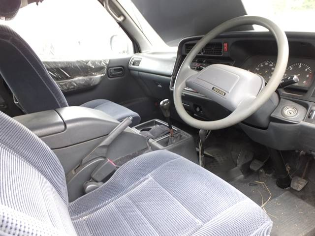 トヨタ ハイエースワゴン
