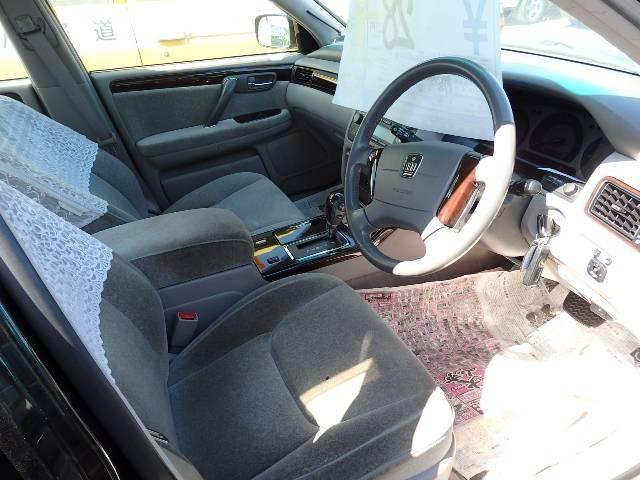 トヨタ クラウン ロイヤルエクストラFour 4WD