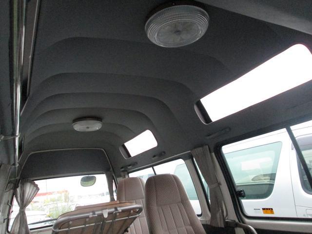 トヨタ ハイエースコミューター ロングDX 4WD ディーゼル