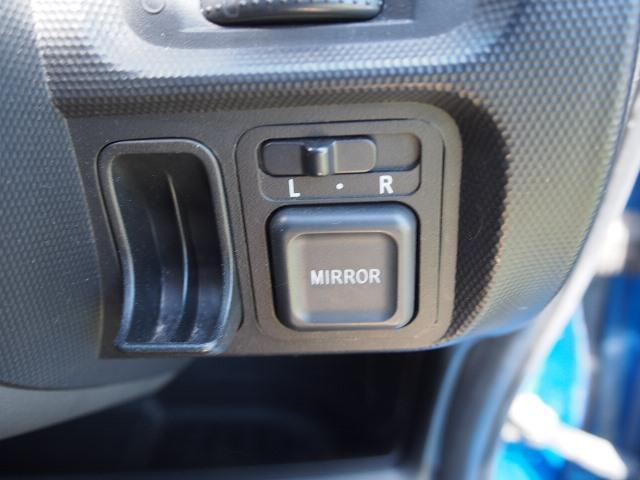 ホンダ フィット A 4WD CD