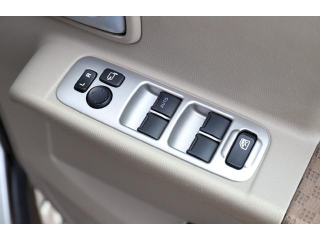 スローパー 車イス1台移動車後部電動固定リアシート付 4WD(7枚目)