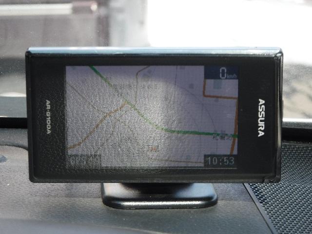 GPSレーダー★速度取締装置などから発せられるレーダーを察知して教えてくれる装置です★ドライバーに速度を意識させ安全運転を促します★