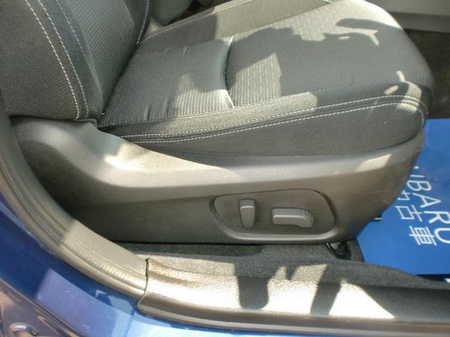 8WAY電動シートで細かな調整が可能で体にあった疲れにくいシート位置を設定できます。