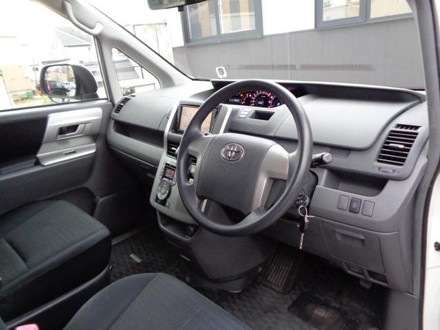 トヨタ ヴォクシー Z 4WD HDDナビ バックモニター パワースライドドア
