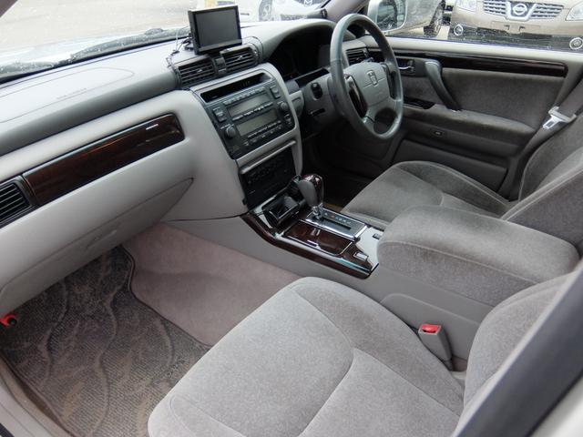 トヨタ クラウン ロイヤルエクストラFourリミテッド4WD