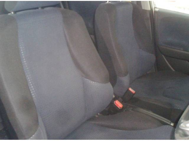 ホンダ フィット G 4WDオートライト純正CDデッキ HIDライト