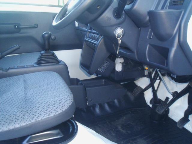 スズキ キャリイトラック KCエアコン・パワステ3方開き・4WDワンオーナー車