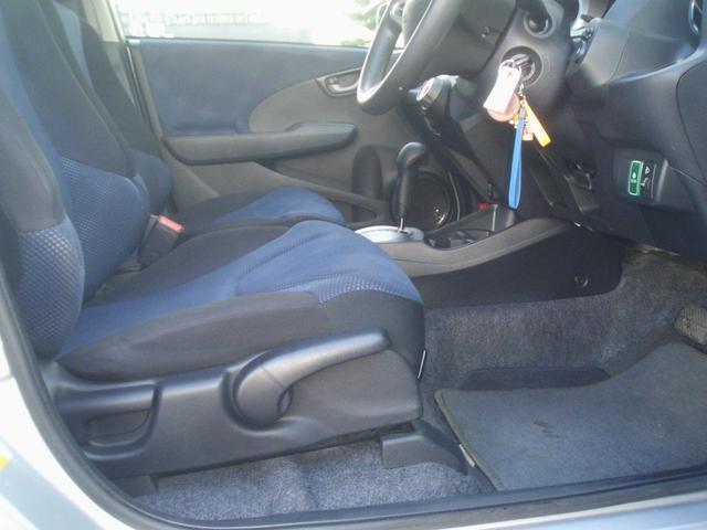 ホンダ フィット G 2WD CVT 楽ナビ 電動格納ミラー ワンオーナー