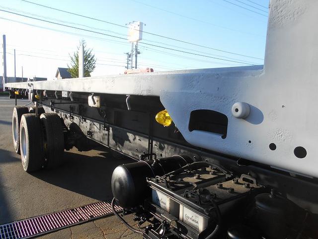 いすゞ ギガ 深ダンプ KL-CYZ52V4 新明和工業