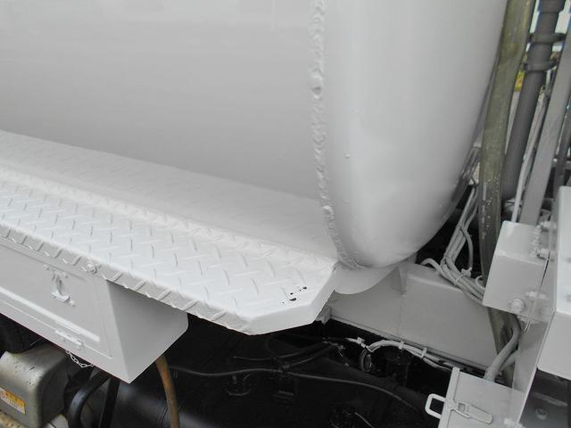 タンクローリー PB-XZU378 極東(16枚目)