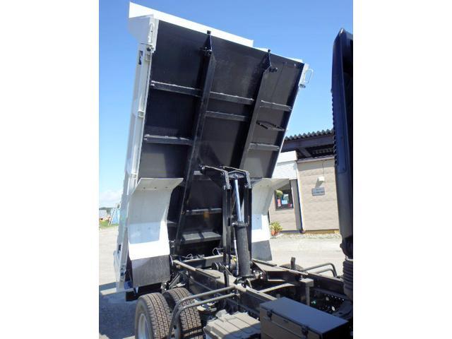 いすゞ フォワード 4tフルキャブ ベッド付 3方開 土砂強化ダンプ