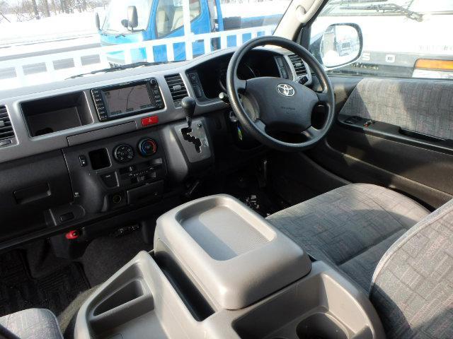 トヨタ ハイエースワゴン 4WD スーパーロング・ハイルーフ グランドキャビン