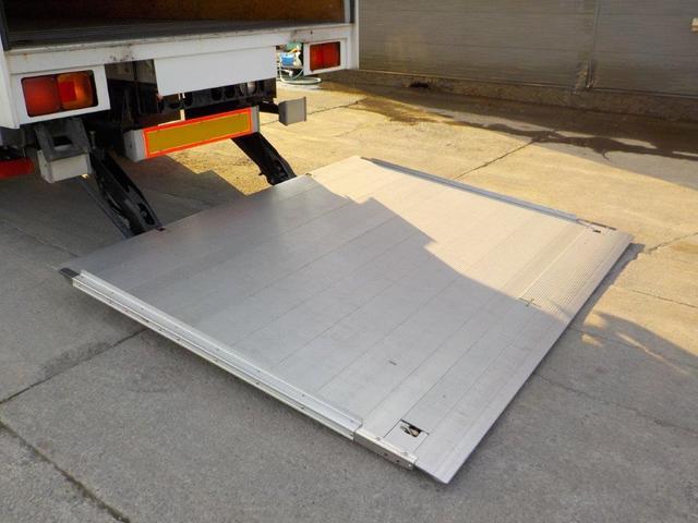 4トンアルミパネル ワイドロング 垂直ゲート付(9枚目)