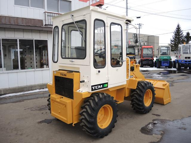 「その他」「日本」「その他」「北海道」の中古車4