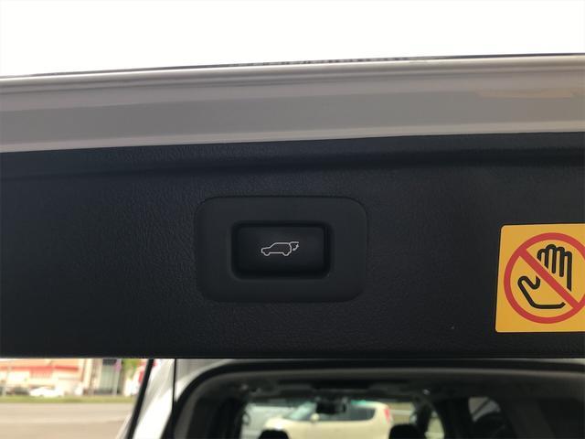 4WD 後席モニタ ナビ バックカメラ スマートキー 両側電動スライドドア AW ETC 7名乗り オーディオ付 電動リアゲート(15枚目)