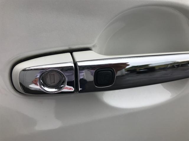 4WD 後席モニタ ナビ バックカメラ スマートキー 両側電動スライドドア AW ETC 7名乗り オーディオ付 電動リアゲート(19枚目)