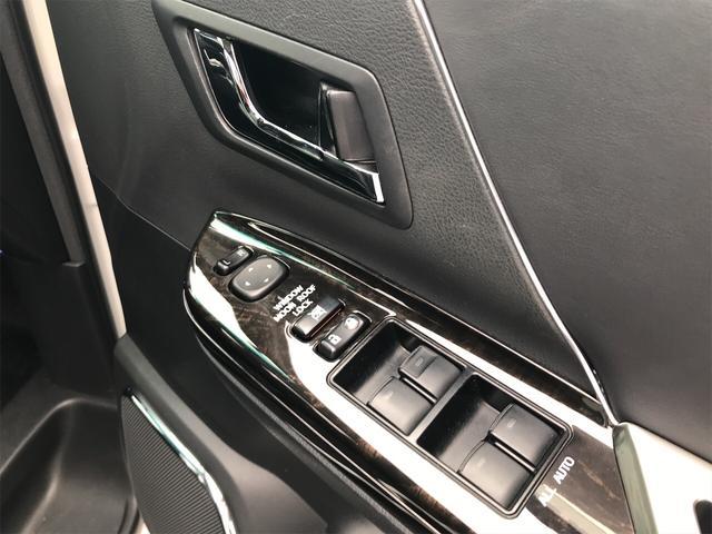 4WD 後席モニタ ナビ バックカメラ スマートキー 両側電動スライドドア AW ETC 7名乗り オーディオ付 電動リアゲート(22枚目)