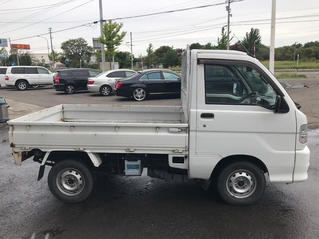 4WD AC MT オーディオ付(9枚目)
