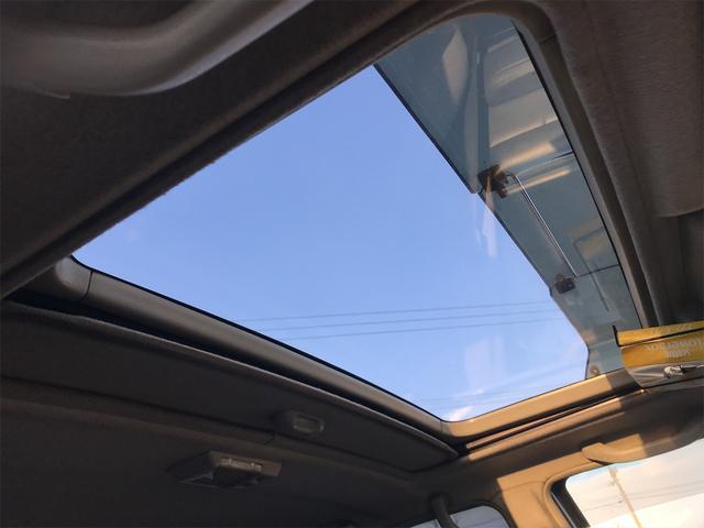サンルーフ付き!爽快な青い空に輝く星空もここからの景色は乗る人だけの特等席です!