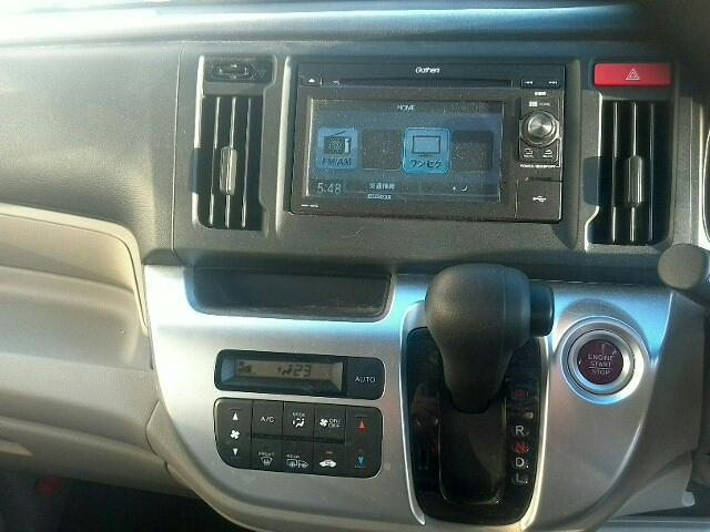 660 G・Lパッケージ 5ドア DCVT 4WD 4人(8枚目)