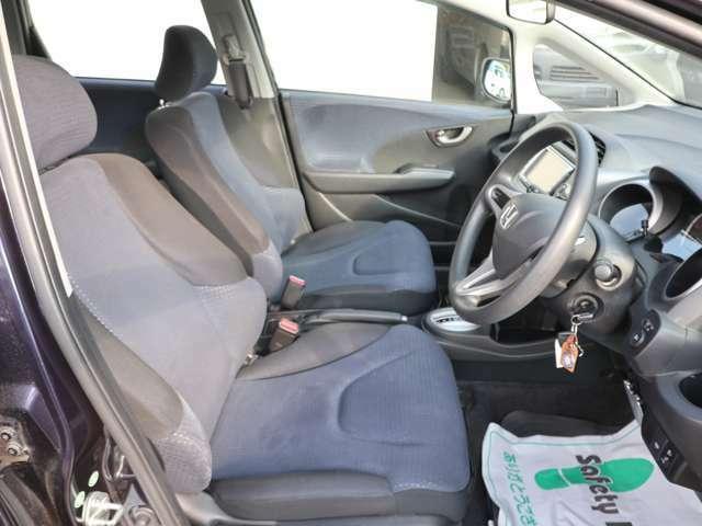 G 4WD 5AT・キーレス・ナビ・Rカメラ・3.1万k(18枚目)