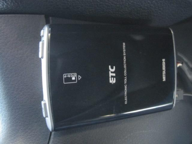 2.5i-S 4WD ワンオーナー HDDナビ 地デジテレビ リアモニター DVD再生 バックカメラ スマートキー プッシュスタート スマートキー ETC ウインカーミラー アルミホイール(16枚目)