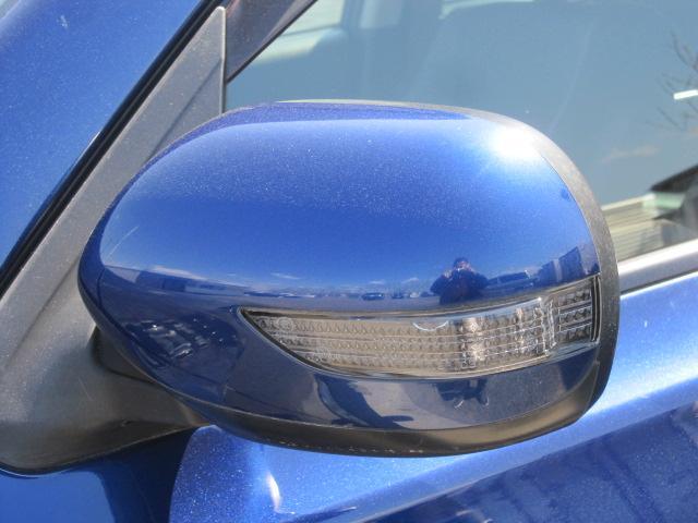 2.5i-S 4WD ワンオーナー HDDナビ 地デジテレビ リアモニター DVD再生 バックカメラ スマートキー プッシュスタート スマートキー ETC ウインカーミラー アルミホイール(19枚目)