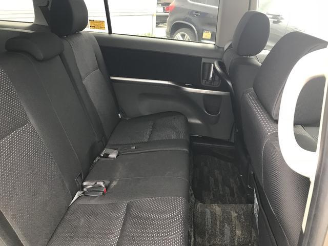 トヨタ アイシス プラタナ キーレス・スマートキー・4WD