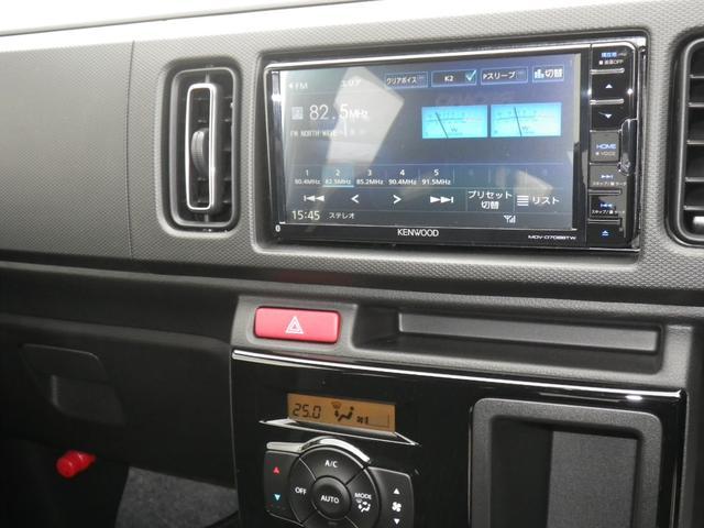ベースグレード 4WD3型5速マニュアルミッション4WDケンウッド地DフルセグナビブルートゥースポジションLEDバルブIPF製ルームランプLED化済みハセプロマジカルカーボンドアアームレスト部ブラックカーボン施工済み(20枚目)