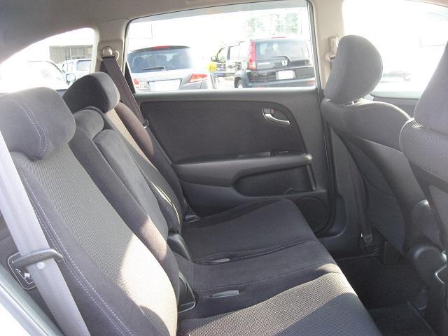 ホンダ ストリーム RSZ 4WD ナビ