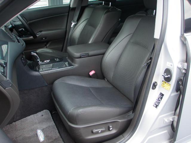 4席パワーシート!運転席2メモリー8WAYパワーシート!前席シートヒーター&エアーシート♪後席もシートヒーター付き♪オールオートPW!ドアロック連動の電動格納ウィンカードアミラー!ウェルカムライト♪
