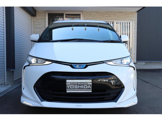 トヨタディーラーオプション!TRD製!LED付きフロントスポイラー!リアスポイラー装備!約15.5万円。ラグジュアリーフロアマット!エントランスマット付きモデル!約9万円。ドアバイザー。約2.5万円。