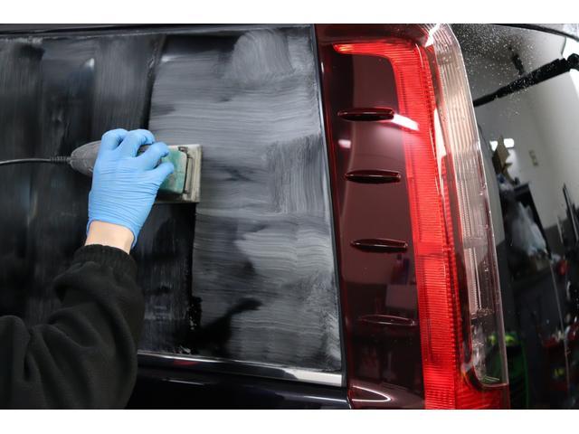 全面ガラス・約4時間・バレット社製専用ガラスコンパウンド&ポリッシャーにて磨いてます!!磨き作業後にフッ素ガラスコーティング施工!!雨染み&ウロコも取れかなりきれいです♪当社のこだわりの作業です♪♪