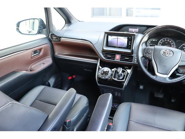 昇温降温抑制機能付シート表皮!1・2列目シートのメイン材に夏は暑くなく、冬は冷たく感じにくい快適さを追求した表皮を採用。運転席&助手席には快適温熱シートを装備♪とっても快適です♪