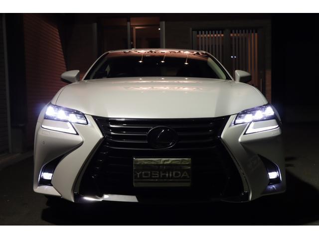 1つ目ではありません!3眼フルLEDヘッドライトです♪オートライト♪純正LEDフォグ♪ソニッククォーツ!レクサスセーフティシステムプラス!プリクラッシュセーフティシステム!アダクティブハイビームS!