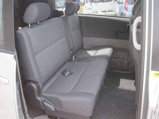 トヨタ ヴォクシー Z Gエディション 4WD HID