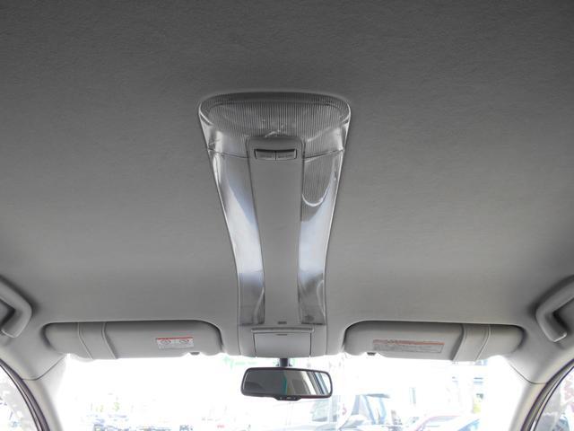 車内だけじゃなくエンジンルームも同時にクリーニングを施工!