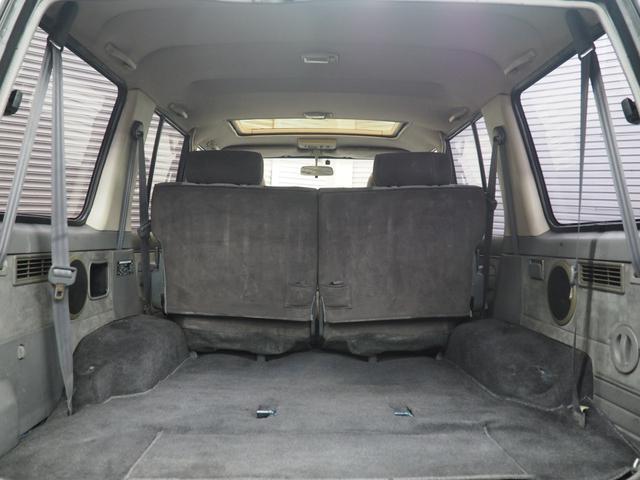 サードシートを外したラゲッジスペース。4ナンバー貨物登録可能♪