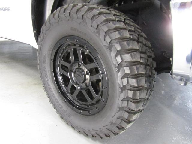 クルーマックス SR5 オフロードパッケージ 4WD 新車並行 リフトUP マグナフローマフラー 8インチ地デジナビ FSBカメラ ETC サンルーフ トノカバー ベッドライナー LEDフォグ ビルシュタイン KMCアルミ グッドリッチMT 本州仕入(31枚目)