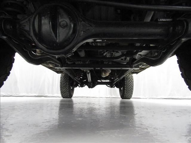 LX 5速マニュアル リフトアップ リアデフロック 電動ウインチ 純正ナロー 4ナンバー登録 新品グッドリッチATタイヤ 背面付 ディーゼルターボ 前席KINGSシートカバー 本州仕入(8枚目)